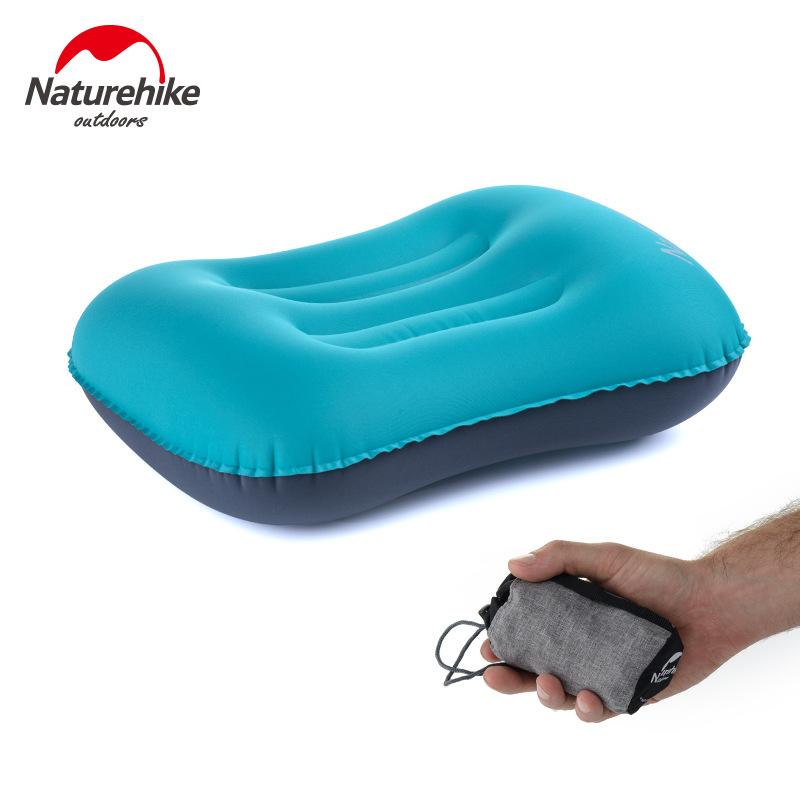 Gối hơi nằm ngủ Naturehike NH18B020T màu xanh dương và túi đựng gấp gọn màu xám