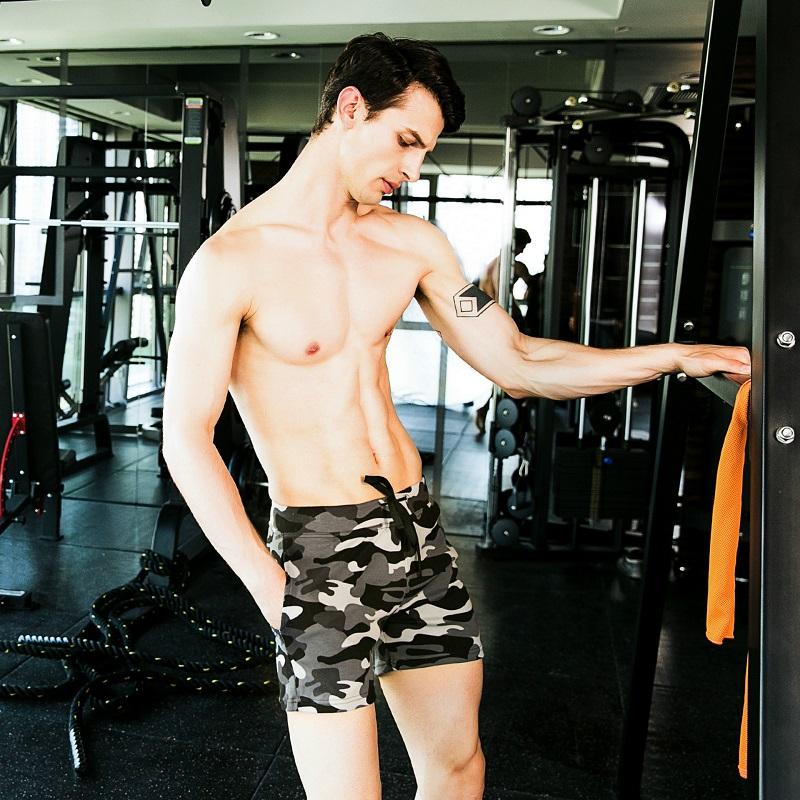 Sử dụng quần bơi cho nam Seobean SB10018 khi tập gym