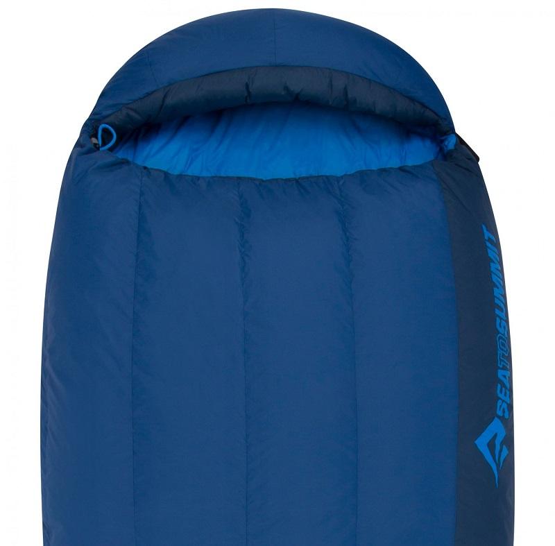 Phần mũ rộng rãi của túi ngủ Sea to Summit Trek TkII STMTK21