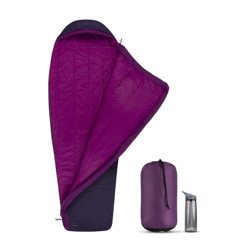 Túi ngủ nữ được làm từ chất liệu Polyester chống thấm nươc, giữ nhiệt tốt