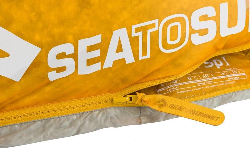 Khóa kéo YKK chắc chắn, trơn tru của túi ngủ Sea to Summit Spark SpI STMSPL02