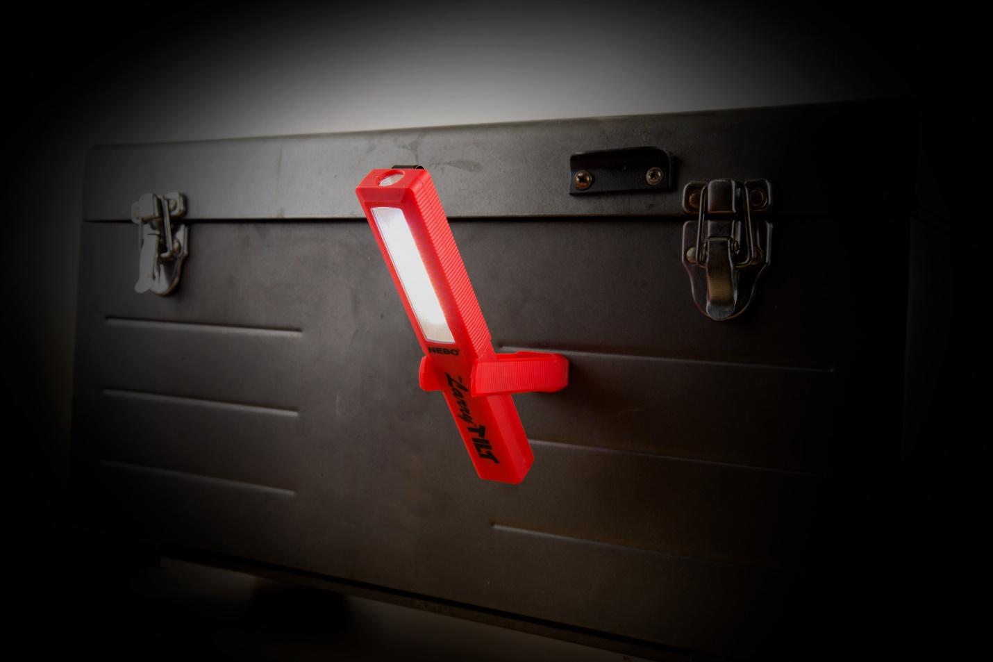 đèn pin cầm tay siêu sáng Nebo màu đỏ