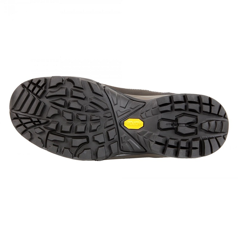 Giày trekking chống nước
