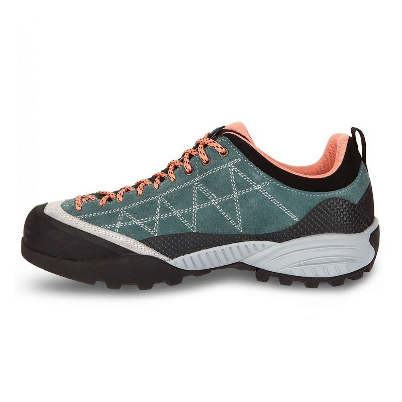 Giày đi trekking nữ